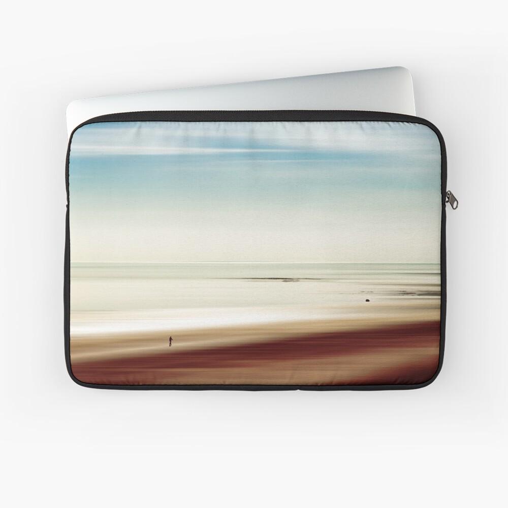 essence - minimalistic seascape Laptop Sleeve