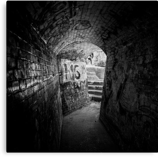 Tunnel by EZeemering