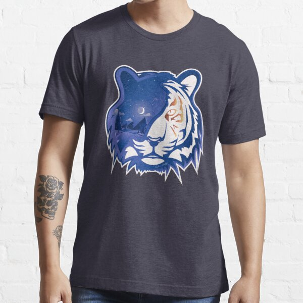 Tiger Head   Crescent Moonlight Essential T-Shirt