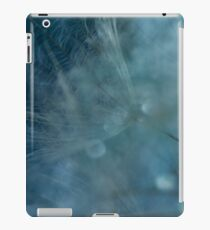 Beautiful Dandelion Seeds iPad Case/Skin