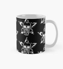Skull with gas mask Classic Mug