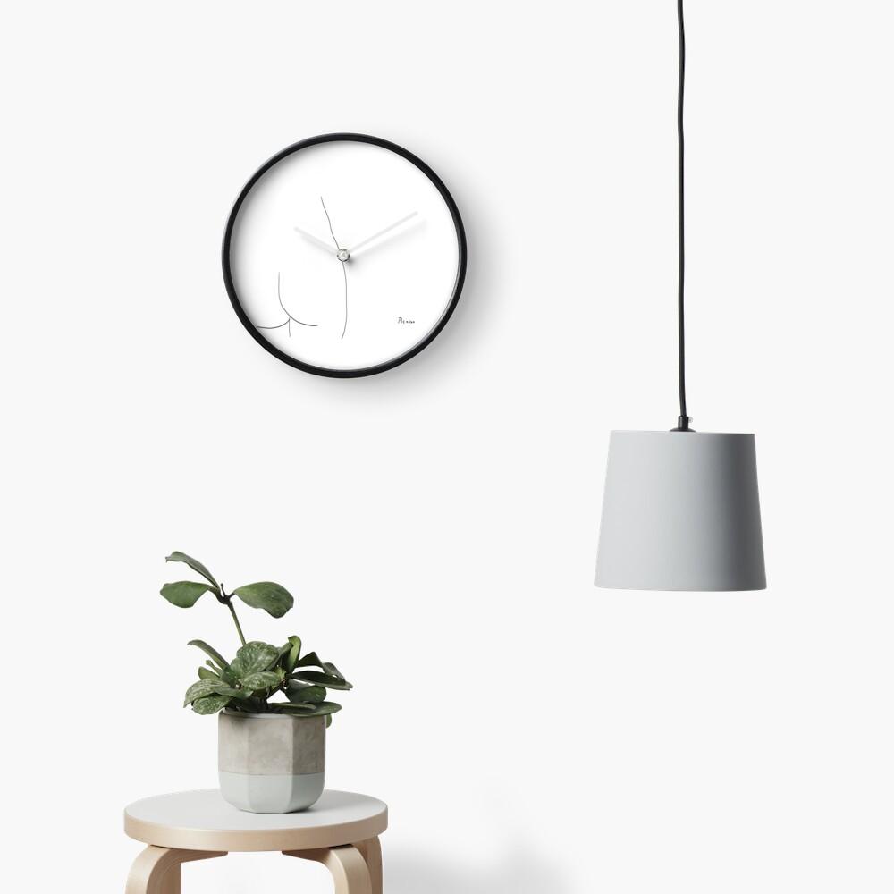 Picasso Line Art - Butt Clock