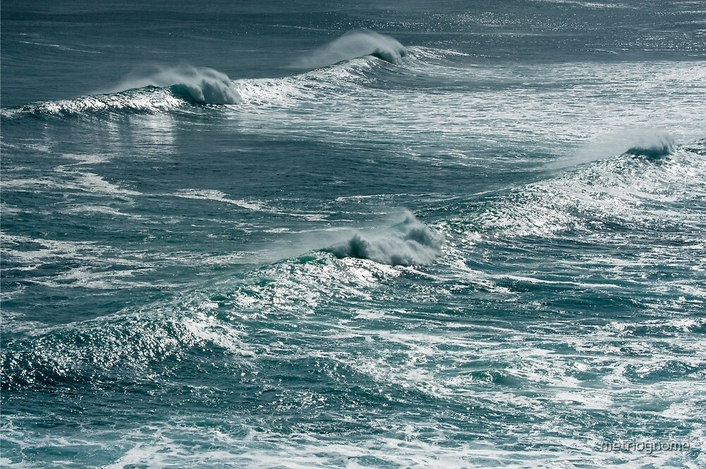 Shimmering Sea by metriognome
