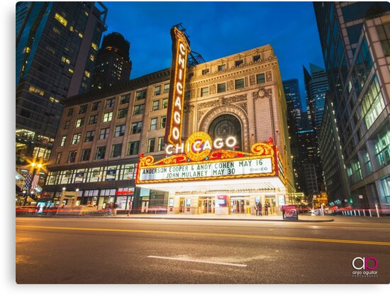 Chicago Theatre by anjoaguilar