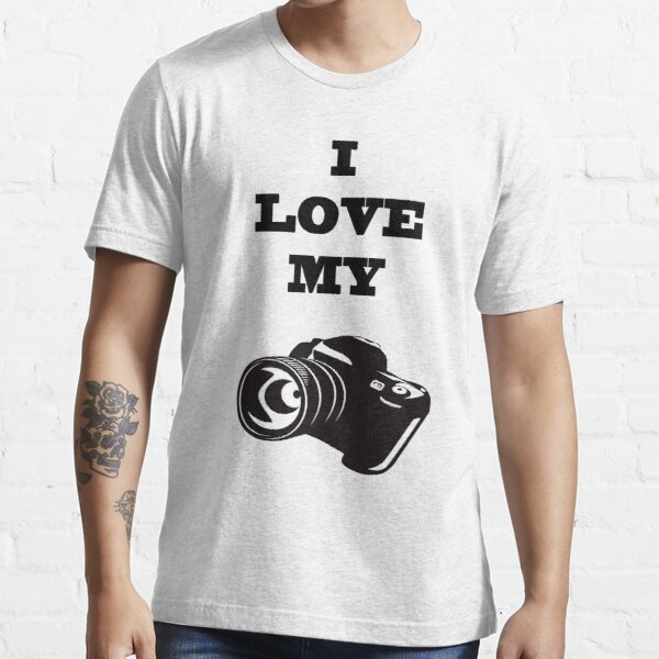 I LOVE MY CAMERA Essential T-Shirt