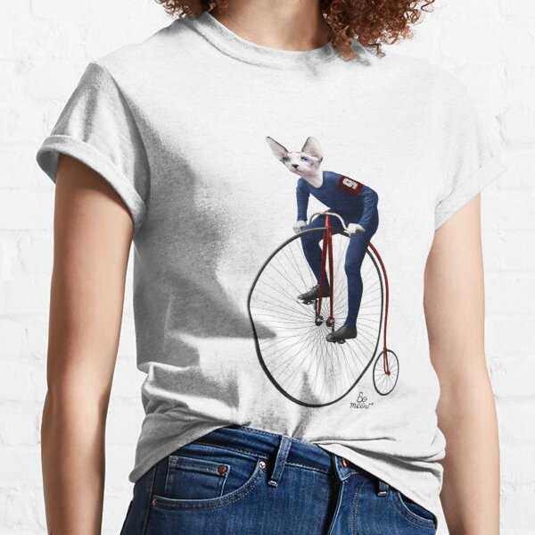 Hector le chat sphynx sur un vélo antique T-shirt classique