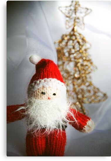 Little knitted Santa loves Christmas by Judith Cahill