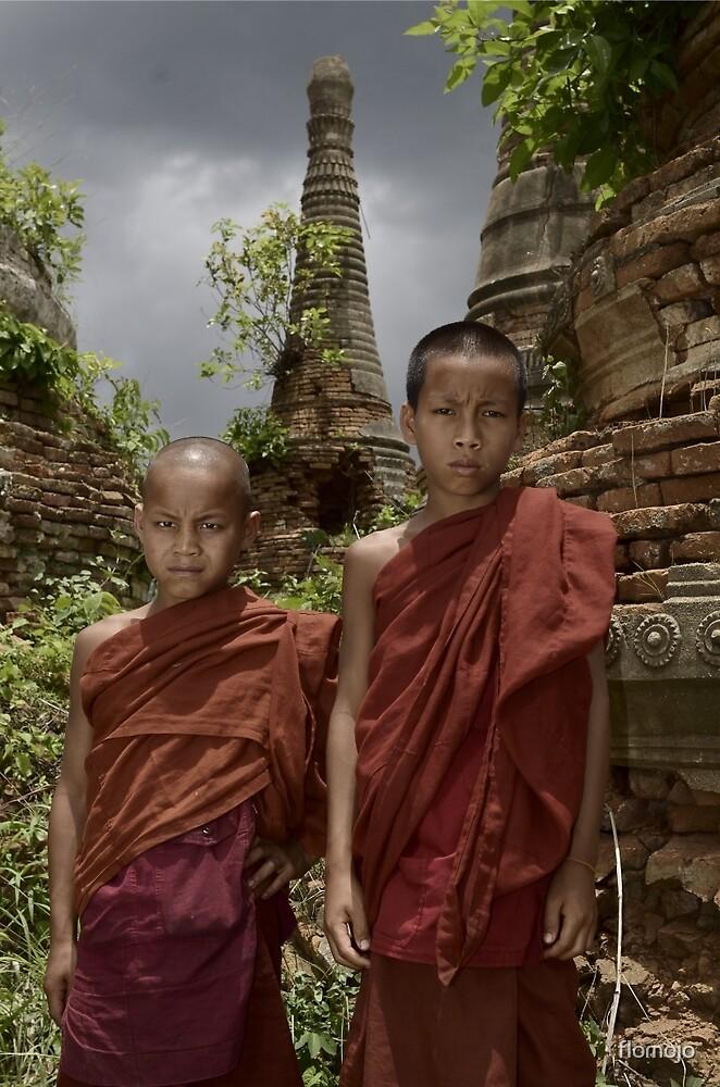 burmese monks at inle lake by flomojo