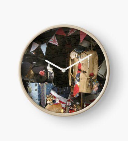 Vintage Window Display Uhr