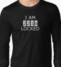 I am 221b locked Long Sleeve T-Shirt