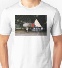 Phantom FGR.2 XV464/U in a Rubb Hangar T-Shirt