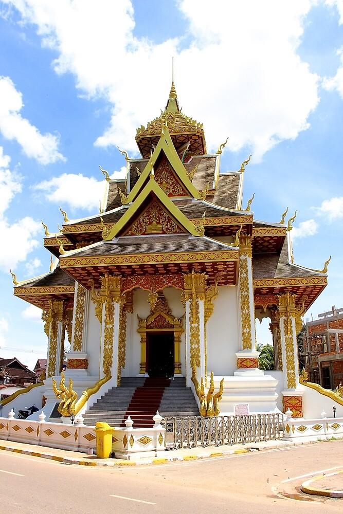 Shiny Wat - Vientiane, Laos. by Tiffany Lenoir