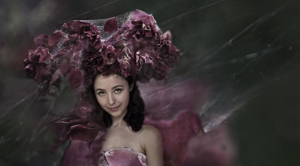 queen rose web . by hopeweaver