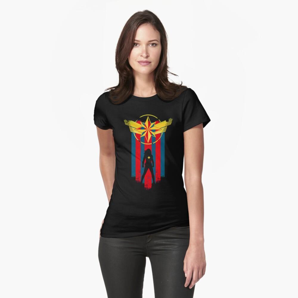 Eine echte Heldin Tailliertes T-Shirt