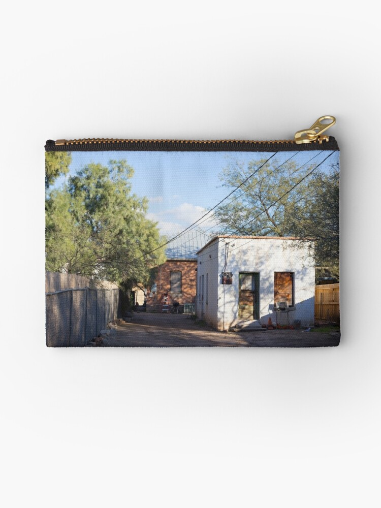 Old Pueblo White Casita. by isaacflater