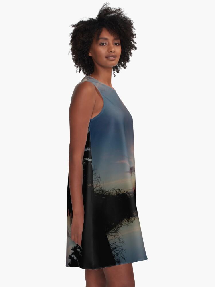 Alternative Ansicht von Sonnenhorizont Spiegelung Ufowolke A-Linien Kleid