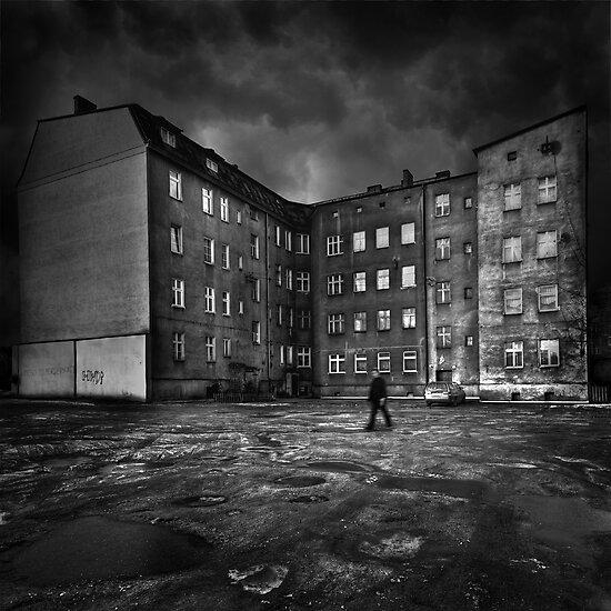 City I by Michał Giedrojć