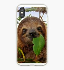 Baby Brown throated Drei toed Faultier iPhone-Hülle & Cover