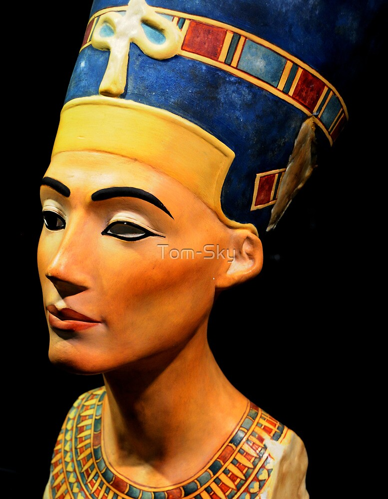 the treasures of king tutankhamun The legacy of howard carter did king tut's discoverer steal from the tomb howard carter, the british explorer who opened the tomb of tutankhamun in 1922, will forever be associated with the greatest trove of artifacts from ancient egypt.