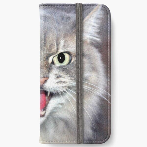 """""""FIERCE VISITOR"""" macro iPhone Wallet"""