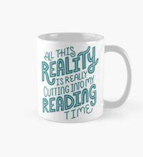 Taza Realidad Vs. Libro de lectura Nerd cita letras