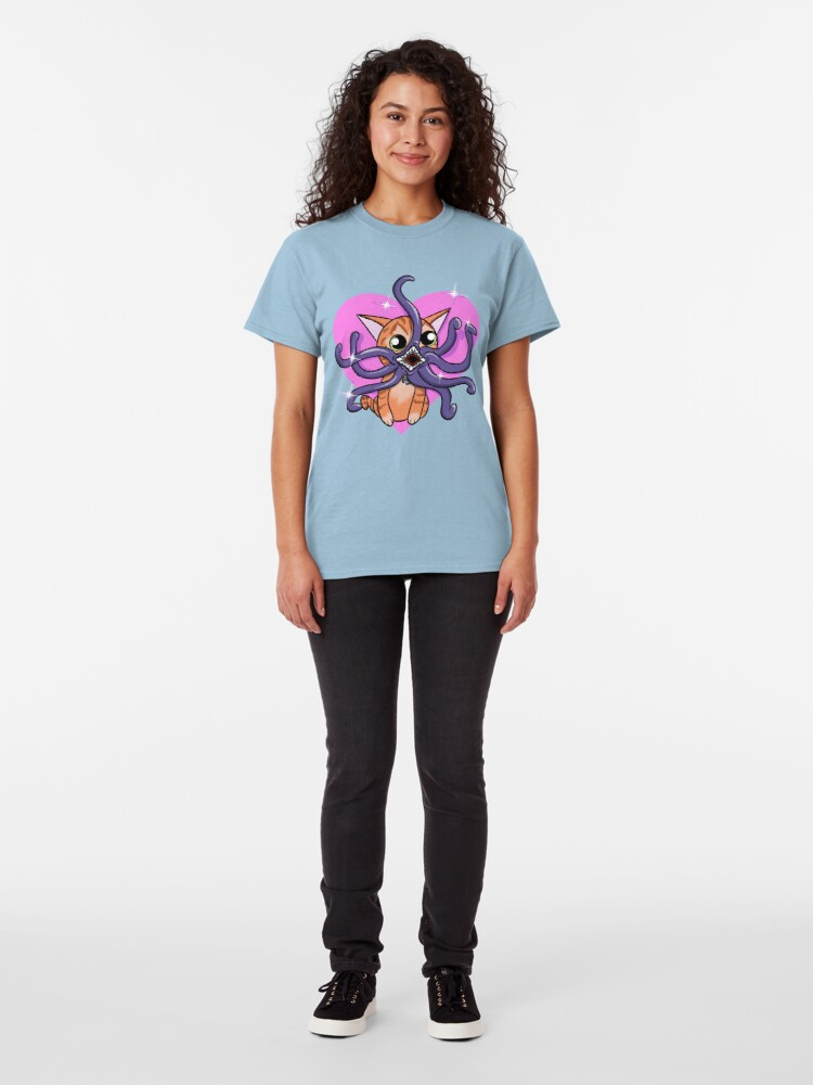 Alternate view of Love Goose the cat Classic T-Shirt