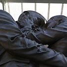 The Kiss, St Pancras Station by BronReid