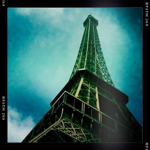 Eiffel Tower by Richard Pitman