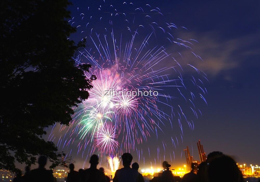 Canada day fireworks by zihniophoto