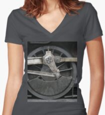 train wheels Fitted V-Neck T-Shirt