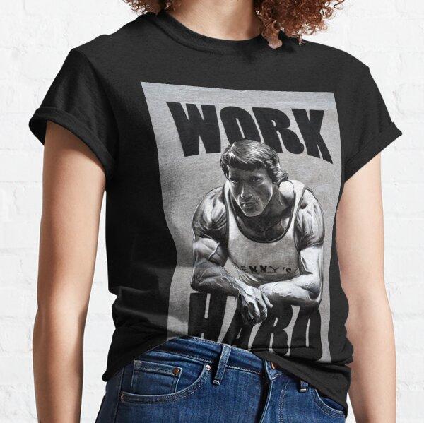 Arnold Schwarzenegger travaille dur T-shirt classique
