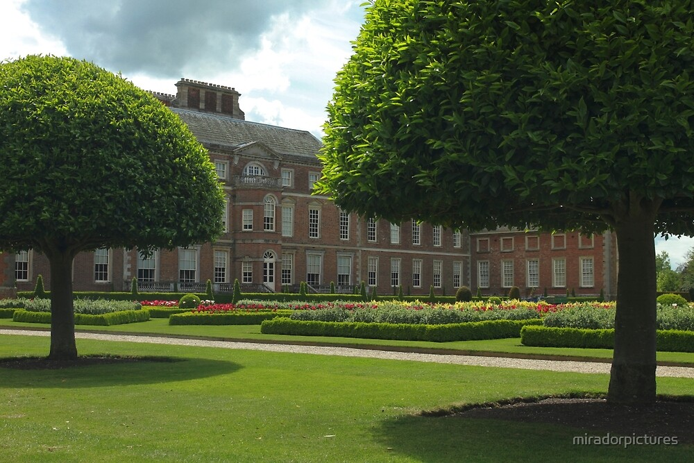 Wimpole Hall by miradorpictures