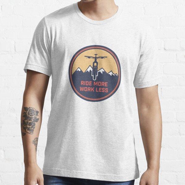 Montar más trabajo menos Camiseta esencial