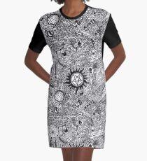 Übernatürlich T-Shirt Kleid