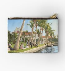 Watching the boat races, Palm Beach, Florida 1906 Zipper Pouch