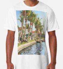 Watching the boat races, Palm Beach, Florida 1906 Long T-Shirt