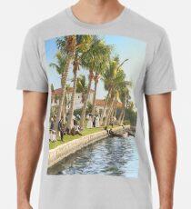 Watching the boat races, Palm Beach, Florida 1906 Premium T-Shirt