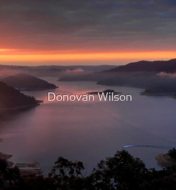 Lake Eildon. by Donovan Wilson