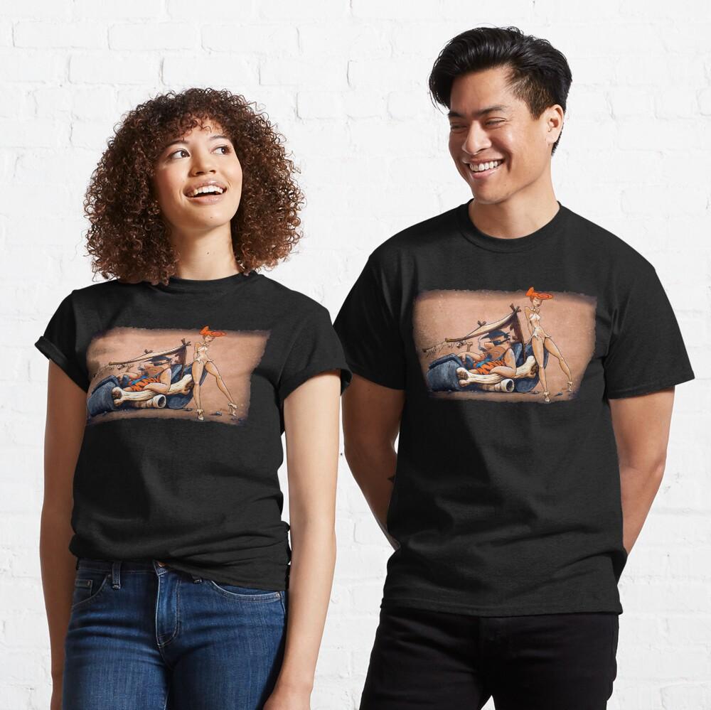 Das sind die Feuersteine, die Sie schon immer wollten! Fred und Wilma gehen in diesem fantastischen Stück Garagenkunst den ganzen Weg zurückhaltend. Classic T-Shirt