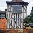 Das Jettied-Gebäude von Middleton Hall, Tamworth, Warwickshire, England # 1 von trish725