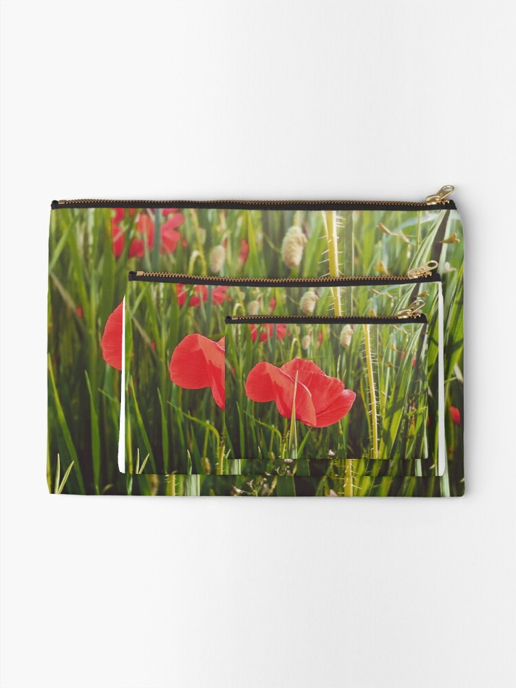 Alternate view of Hermosa amapola.  Zipper Pouch