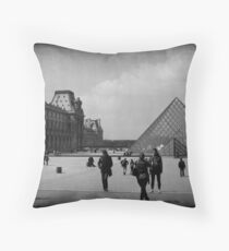 LE TOURISTE Throw Pillow