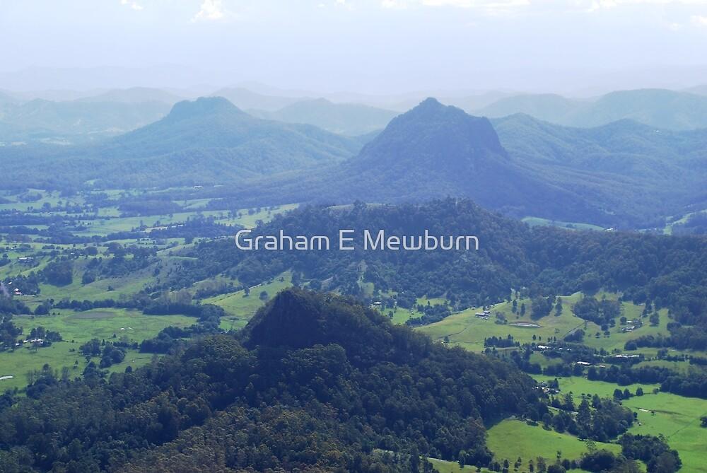 Upper Lansdowne from Flatrock by Graham E Mewburn