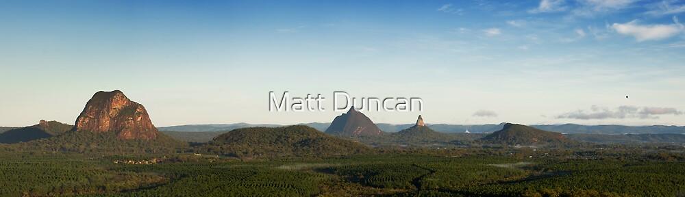 Ballooning : Glasshouse Mountains by Matt Duncan