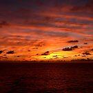 Sonnenaufgang am Meer von GedTKirk