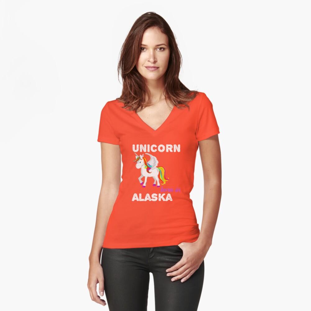 Einhorn in Alaska geboren Tailliertes T-Shirt mit V-Ausschnitt