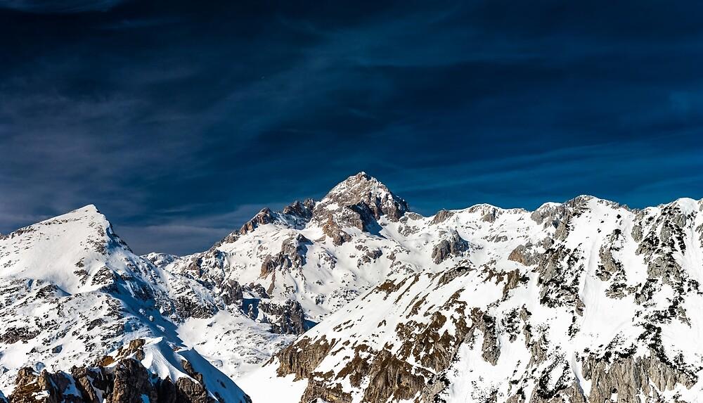Gigapixel photograph of mountain Triglav, Slovenia by Patrik Lovrin