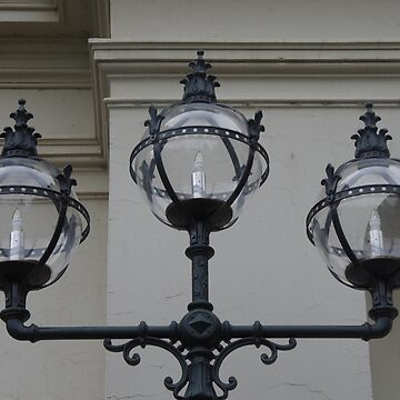 Melbourne Lamps by lezvee
