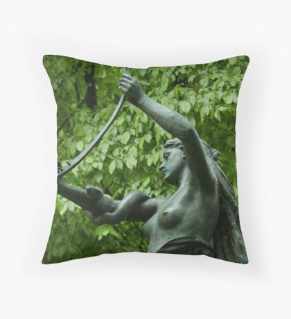 Green green Throw Pillow