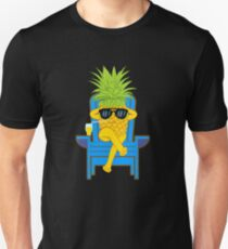 Fruit Cool Pineapple With Sunglasses Graphic T-shirt Summer Sun Drinking Juice Holidays Relaxing  Slim Fit T-Shirt
